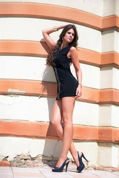 Korinna_fekete ruha